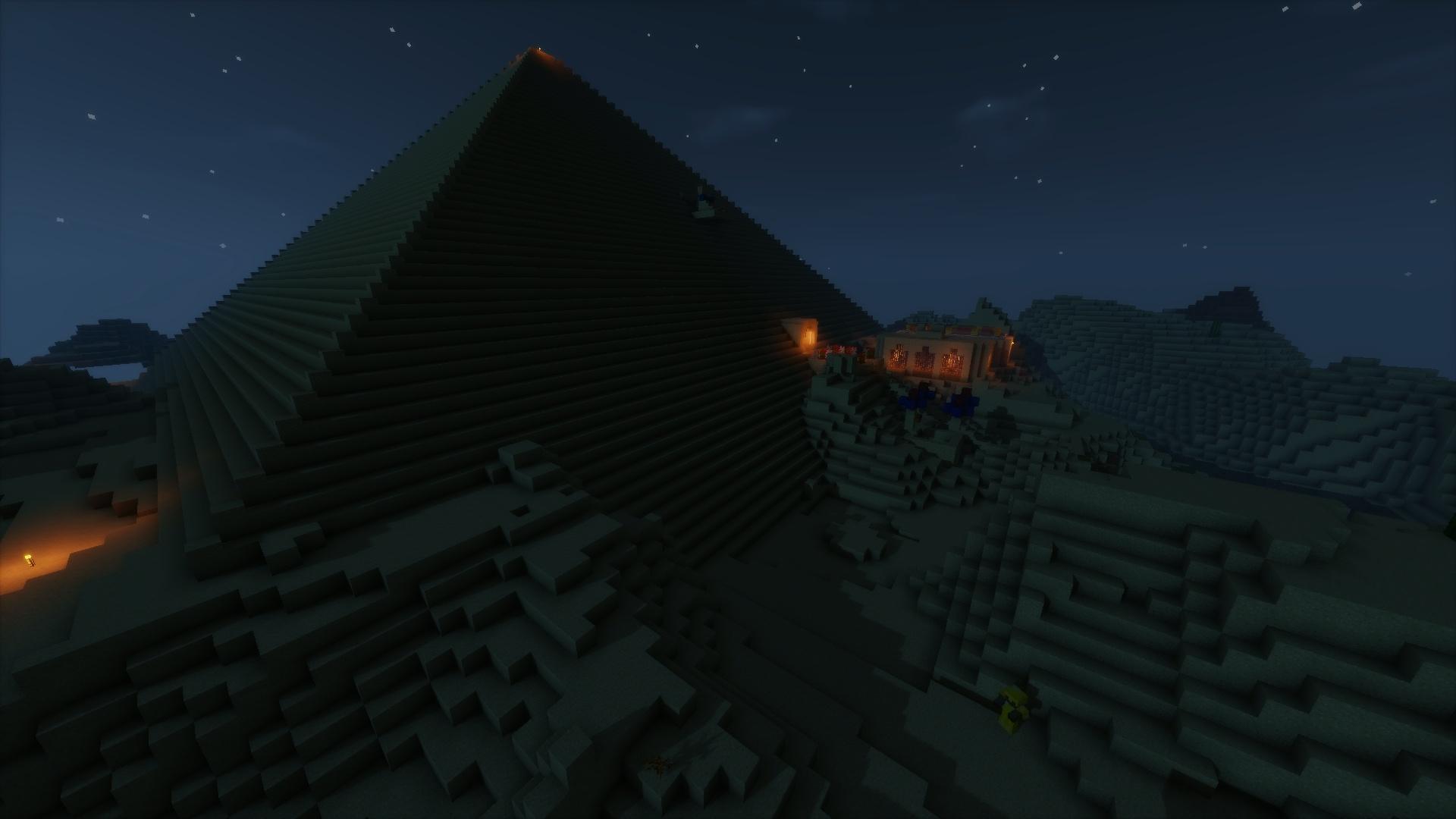 Bienvenue dans la gigantisme pyramide de TS_Minouchnoir O= !